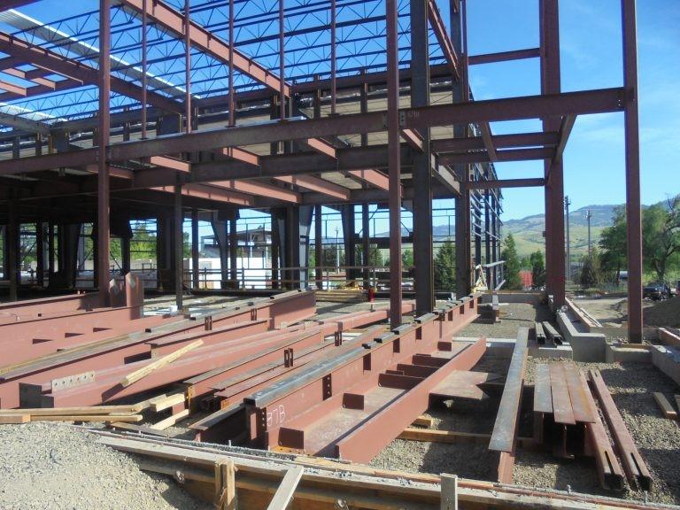 نمونهای از ساختمانهای فولادی ساخته شده از تیرآهن
