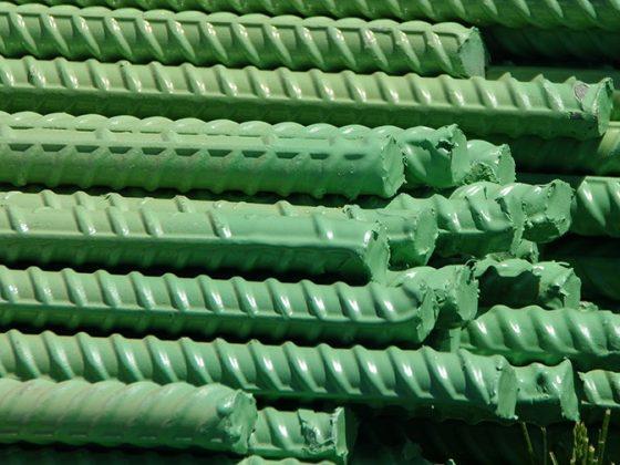 نمونهای از میلگردهای پوشش دادهشده با رنگ اپوکسی